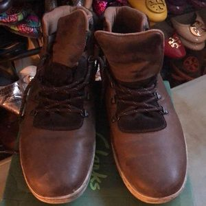 Clarks Distressed Leather Brown Low Boot